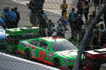 Danica Patrick crashes in Bristol practice