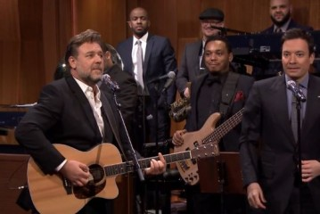 Jimmy Fallon and Russell Crowe Sing Johnny Cash's Folsom Prison Blues on The Tonight Show