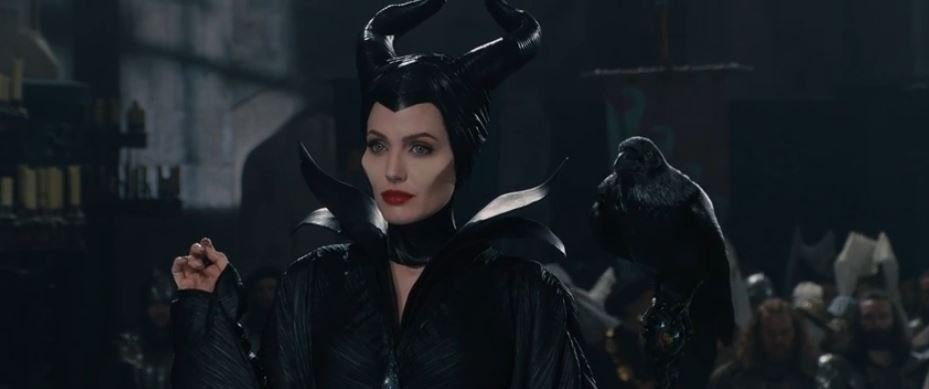 "Maleficent ""Awkward Situation"" New Movie Clip with Angelina Jolie"